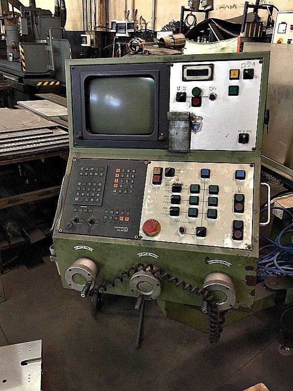 Fresatrice_parpas_a_controllo_attrezzatura_officina-meccanica