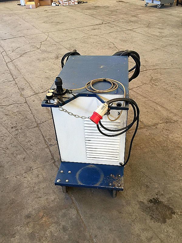 Saldatrice_a_filo_Mb_250_attrezzatura_officina_meccanica